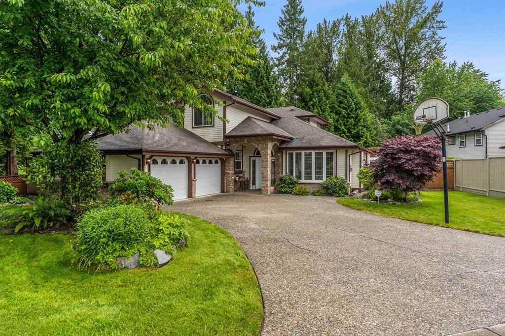 FEATURED LISTING: 23706 119 Avenue Maple Ridge