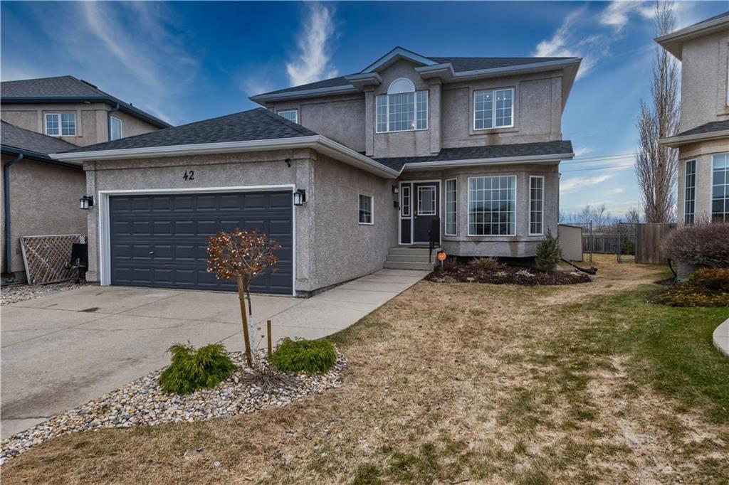 FEATURED LISTING: 42 Knightswood Court Winnipeg