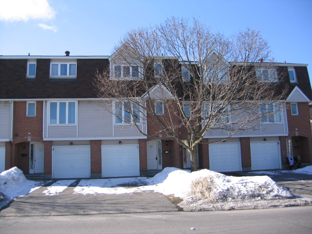 Main Photo: 419B Pickford Drive in Kanata: Katimavik Other for sale (9002)  : MLS® # 786361