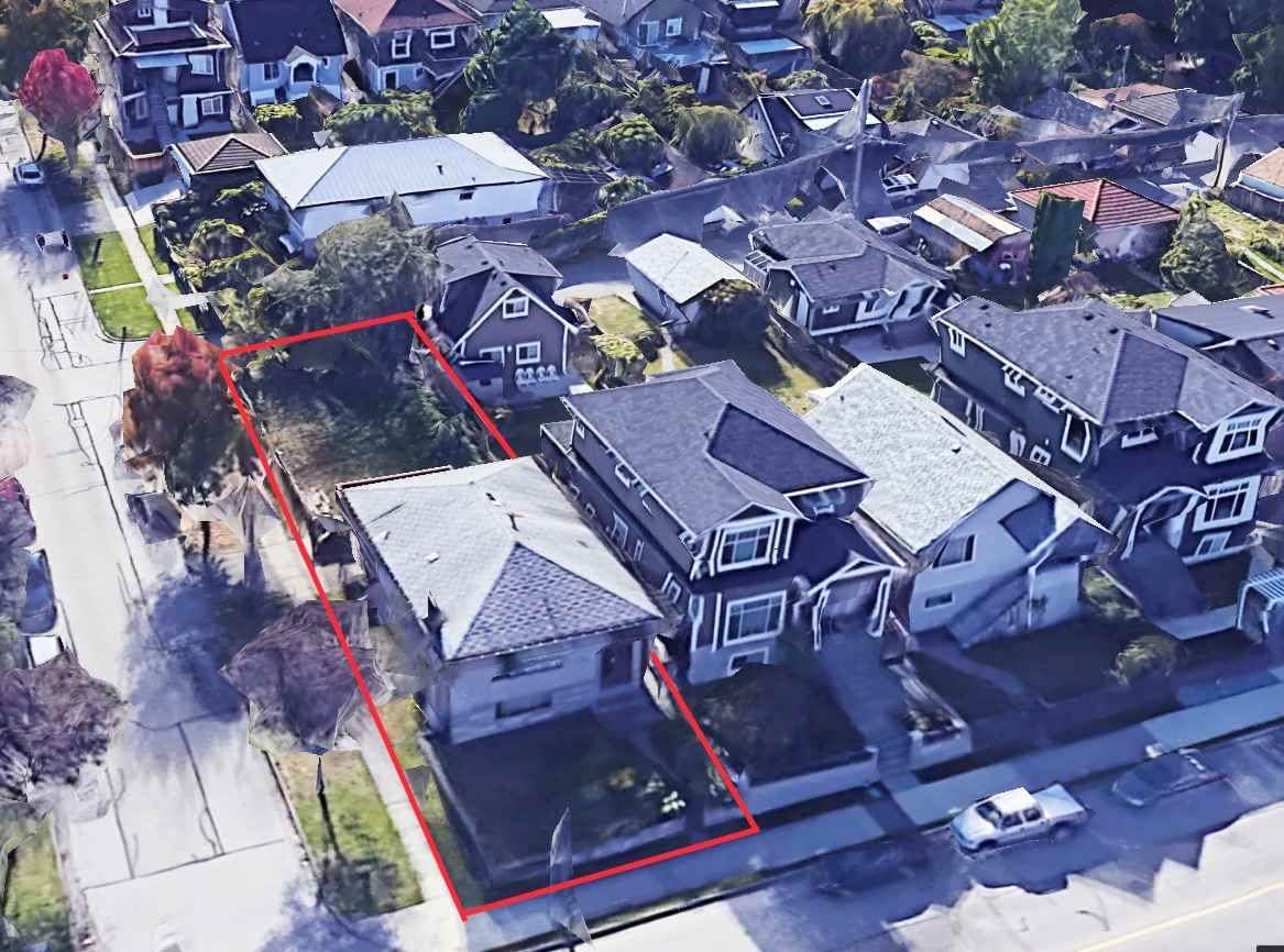 FEATURED LISTING: 896 KING EDWARD Avenue East Vancouver