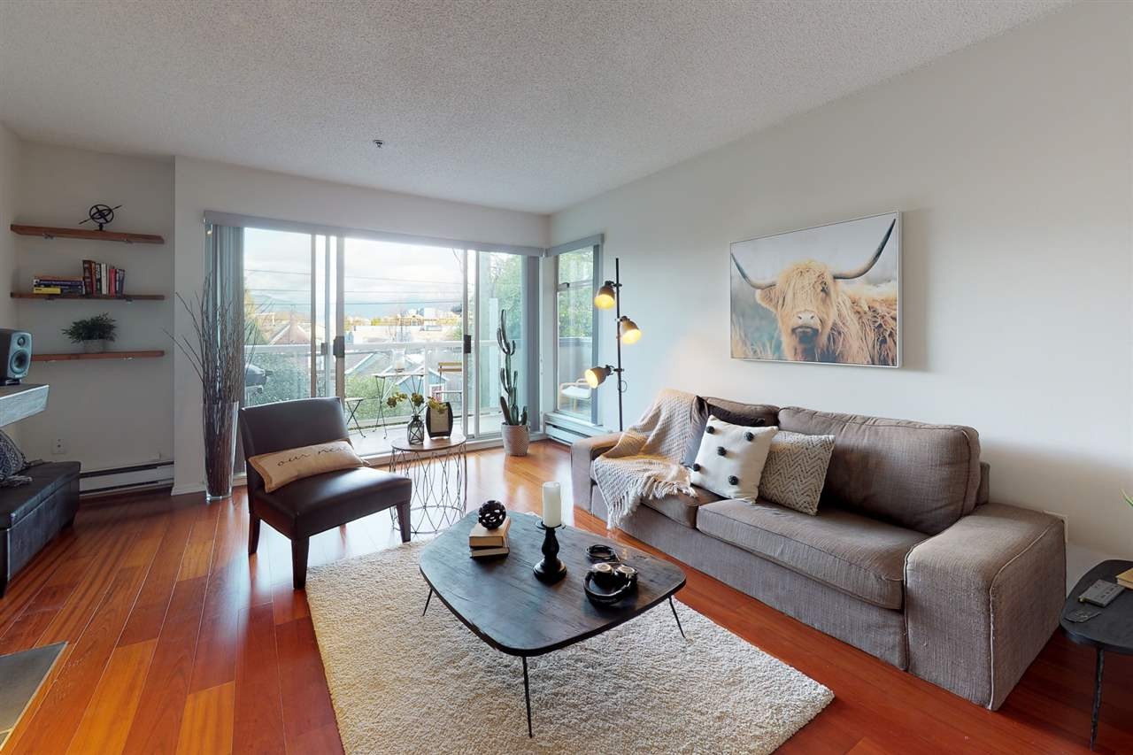 FEATURED LISTING: 204 1963 3RD Avenue West Vancouver