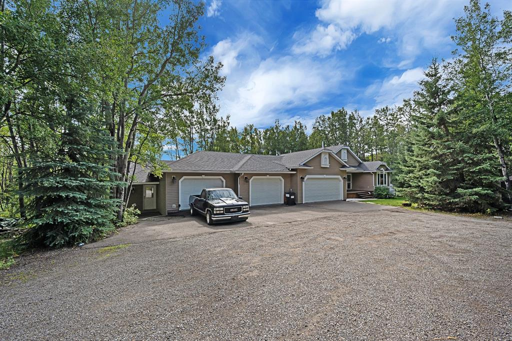 FEATURED LISTING: 31234 Rge Rd 20A Rural Mountain View County