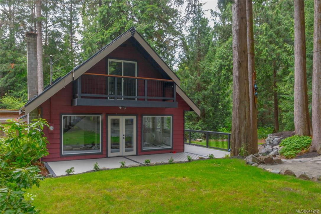 FEATURED LISTING: 2680 Sunny Glades Lane Shawnigan Lake