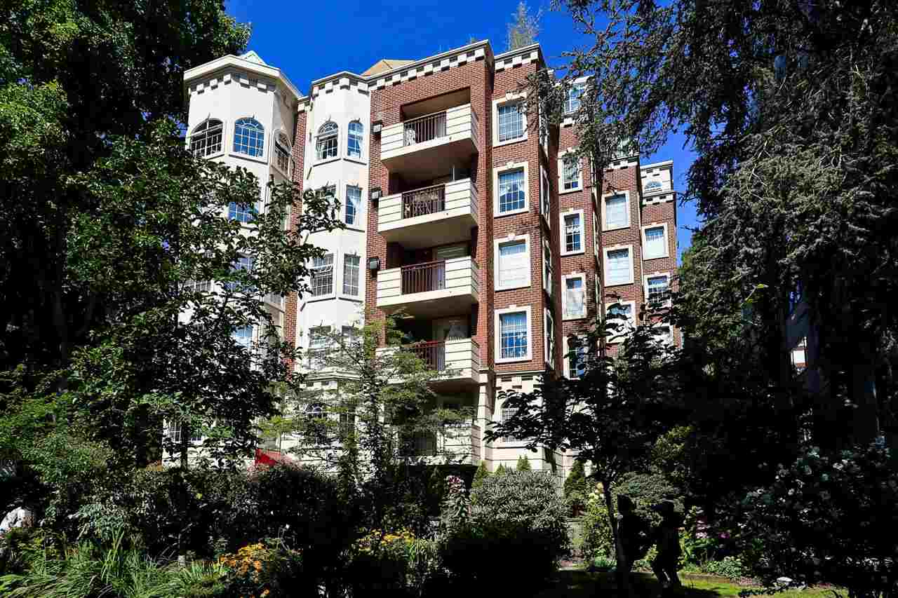 FEATURED LISTING: 202 - 888 BUTE Street Vancouver