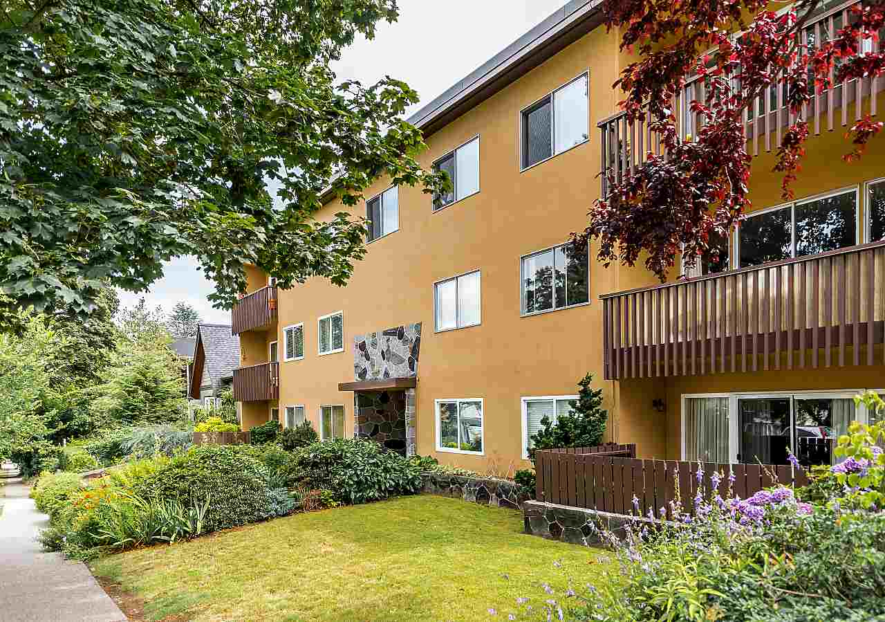 FEATURED LISTING: 104 3784 16TH Avenue West Vancouver