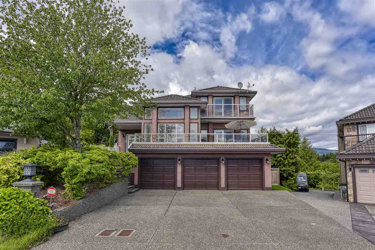 FEATURED LISTING: 1528 GREENSTONE Court Coquitlam