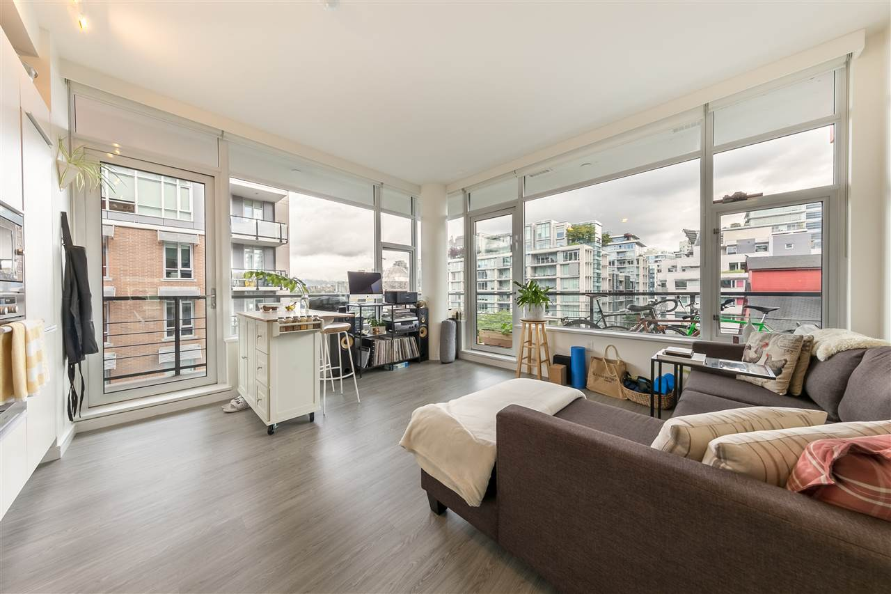 FEATURED LISTING: 501 - 123 1ST Avenue West Vancouver