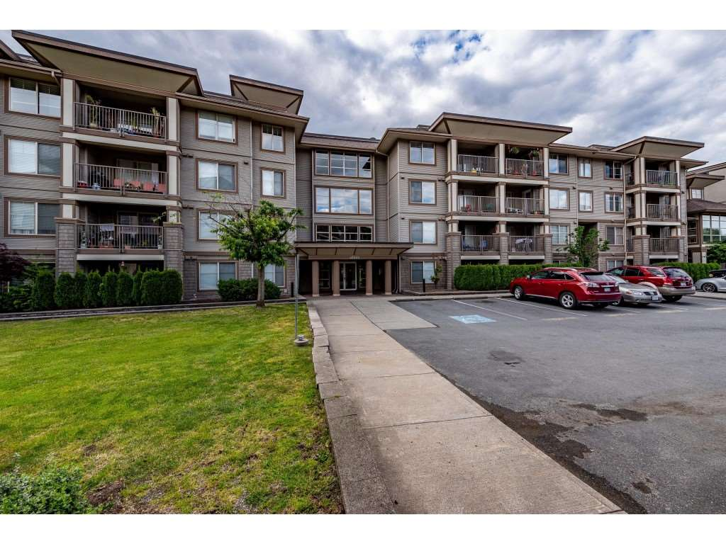 FEATURED LISTING: 403 - 45559 YALE Road Chilliwack