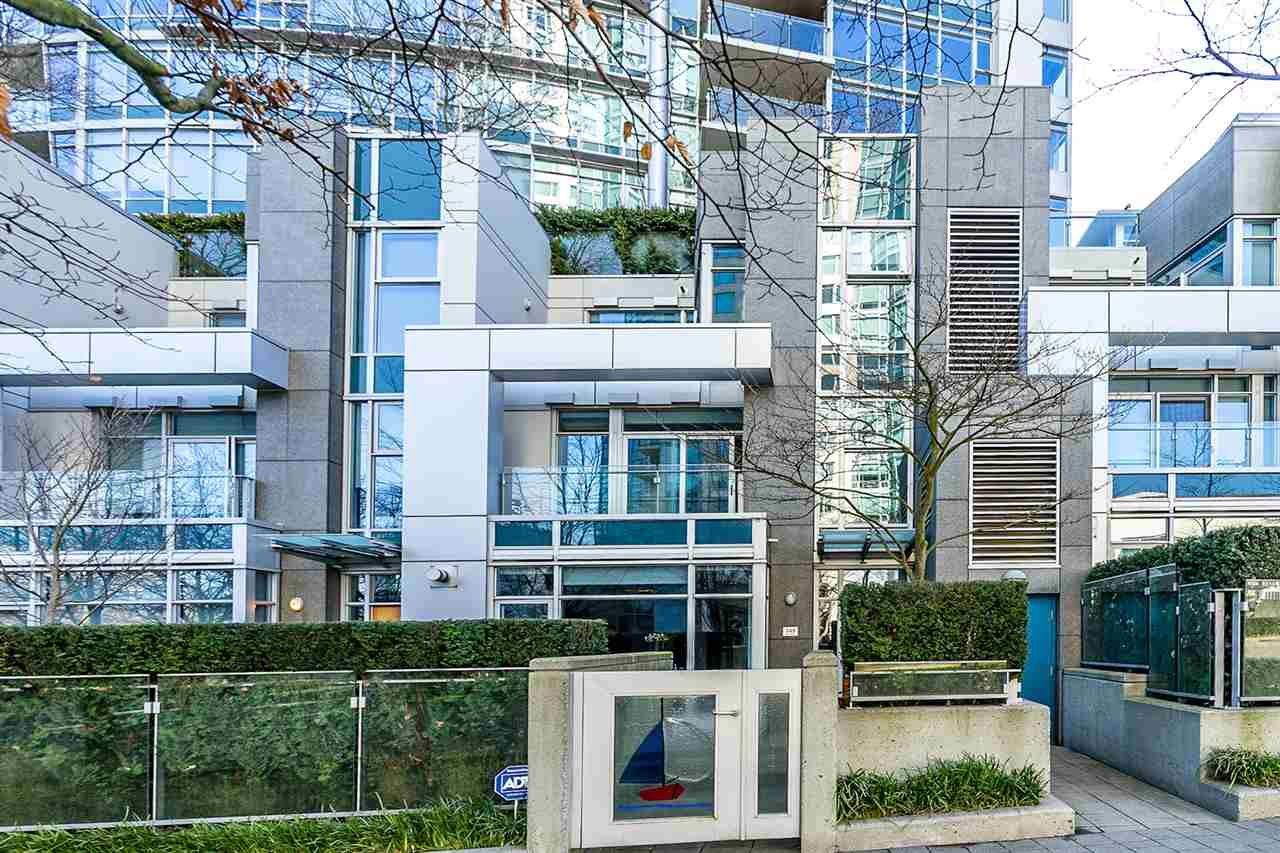 FEATURED LISTING: TH26 - 348 JERVIS Mews Vancouver