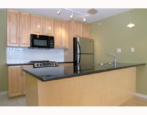 "Main Photo: 1805 989 BEATTY Street in Vancouver: Downtown VW Condo for sale in ""NOVA"" (Vancouver West)  : MLS®# V662596"