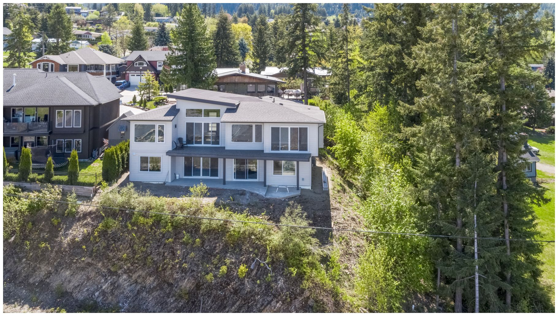 FEATURED LISTING: 1411 9th Avenue Southeast Salmon Arm