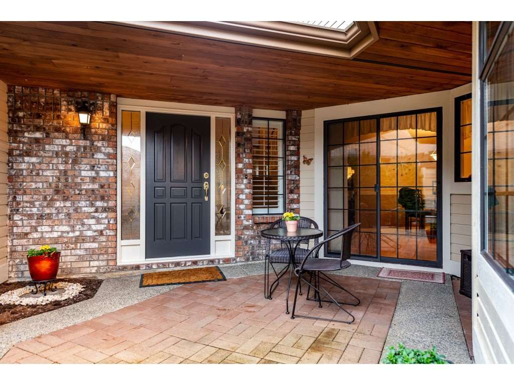 FEATURED LISTING: 2 - 1804 SOUTHMERE Crescent Surrey