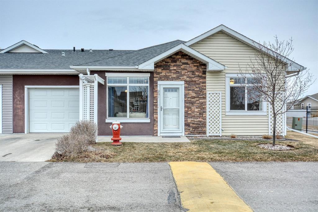 FEATURED LISTING: 201 Sunvale Crescent Northeast High River