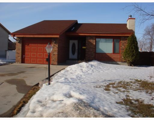 Main Photo: 104 Williamson Cr in Winnipeg: Residential for sale : MLS® # 2904302