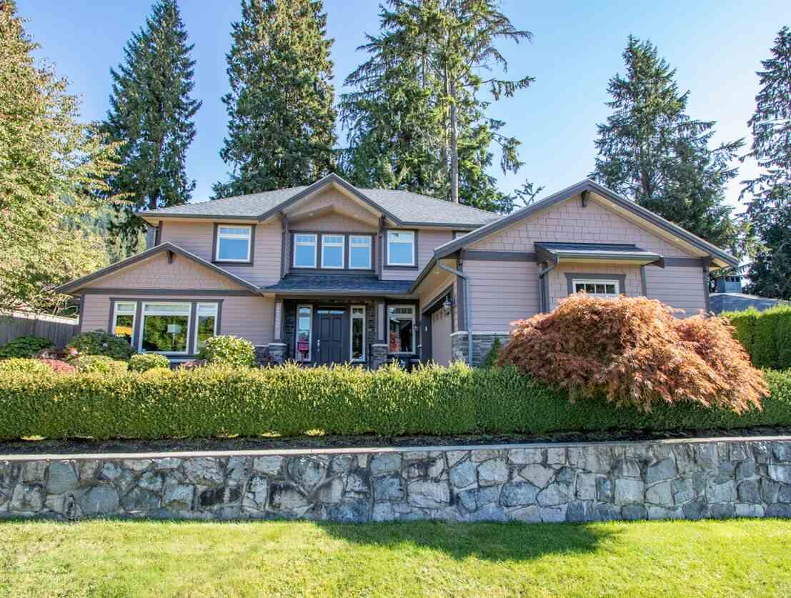 FEATURED LISTING: 4742 MARINEVIEW Crescent North Vancouver