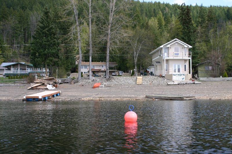 Main Photo: 2022 Eagle Bay Road in Blind Bay: Waterfront Residential Detached for sale : MLS® # 9166301