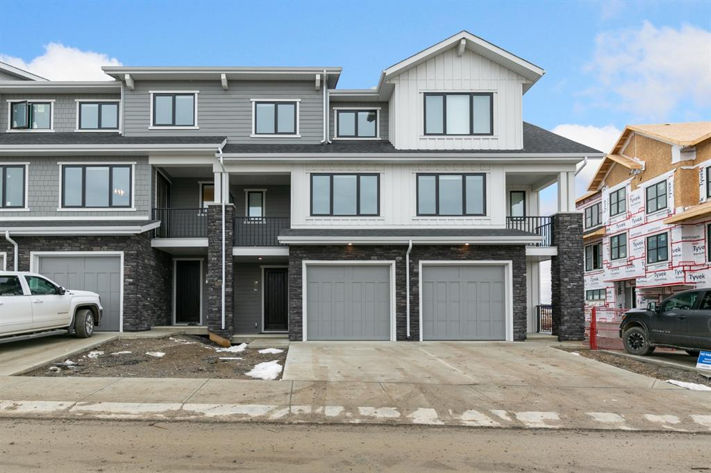 FEATURED LISTING: 153 Crestridge Common Southwest Calgary