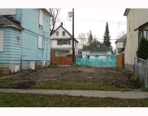 Main Photo: 555 Victor in Winnipeg: Residential for sale : MLS® # 2718911