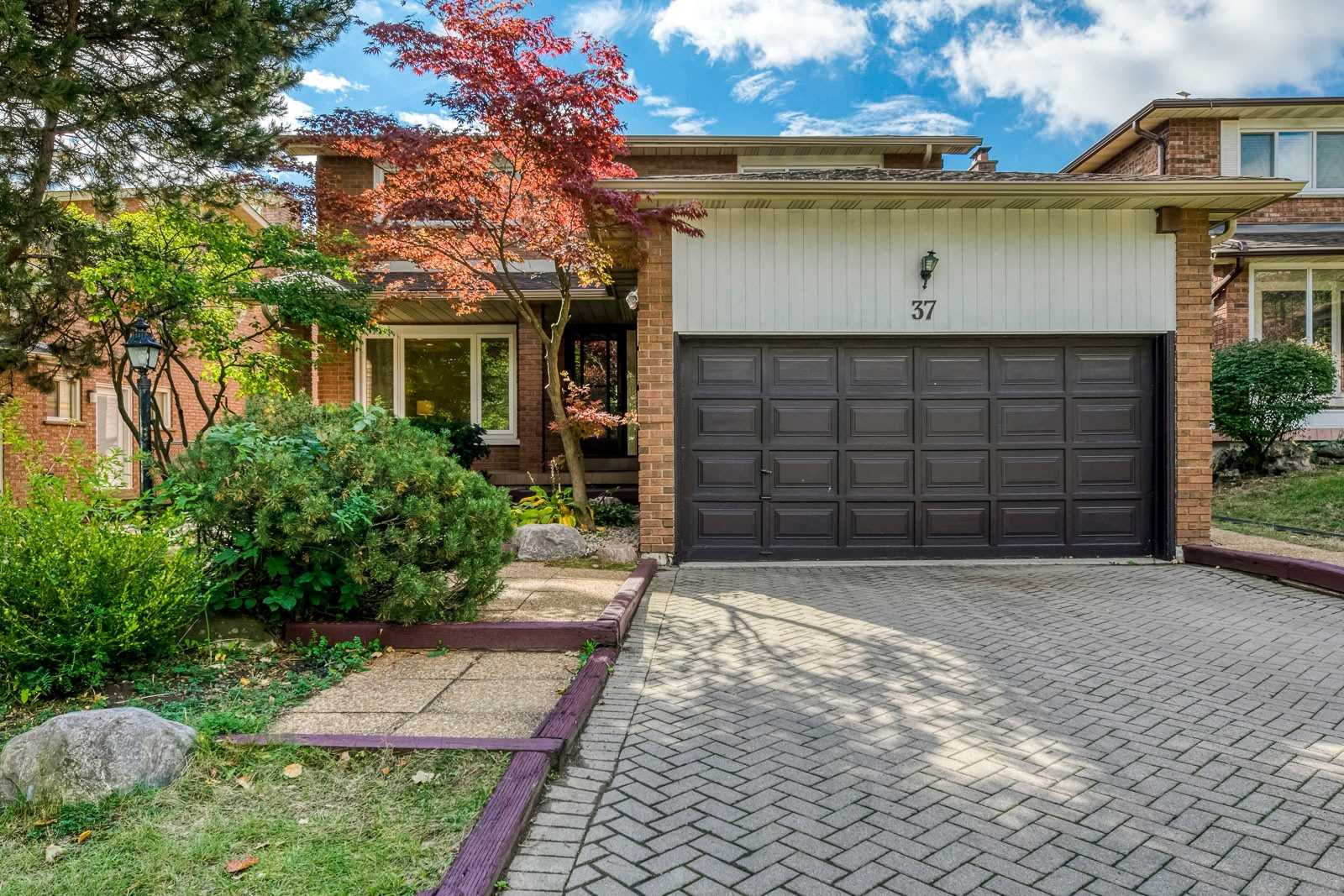 FEATURED LISTING: 37 Sycamore Drive Markham