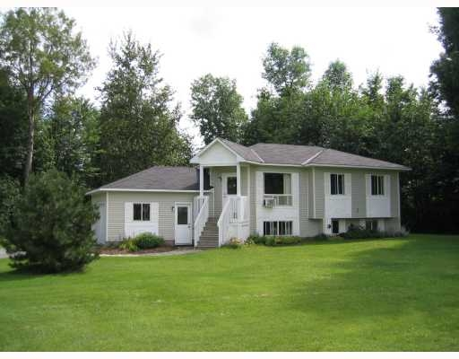 Main Photo: 101 Constance Creek Dr in Dunrobin: Residential Detached for sale : MLS® # 734381