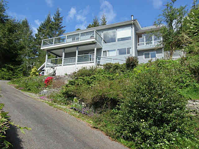 FEATURED LISTING: 4763 SINCLAIR BAY ROAD