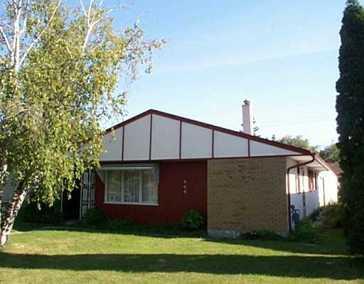 Main Photo:  in Winnipeg: East Kildonan Single Family Detached for sale (North East Winnipeg)  : MLS® # 2512451