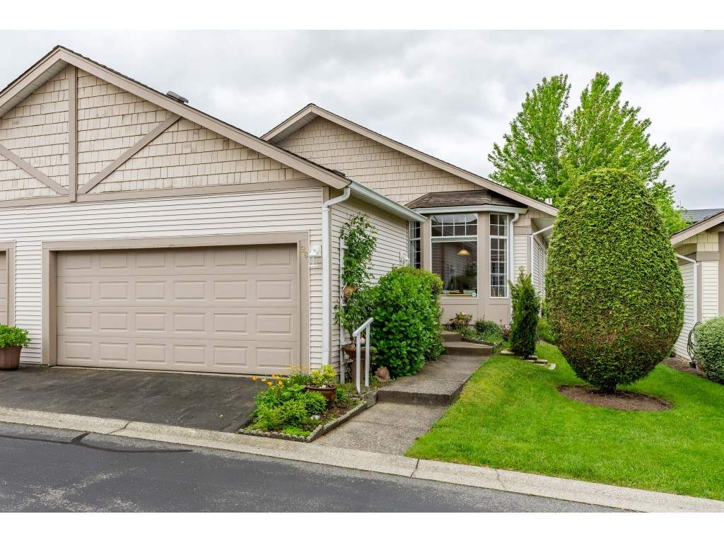 FEATURED LISTING: 98 - 9012 WALNUT GROVE Drive Langley