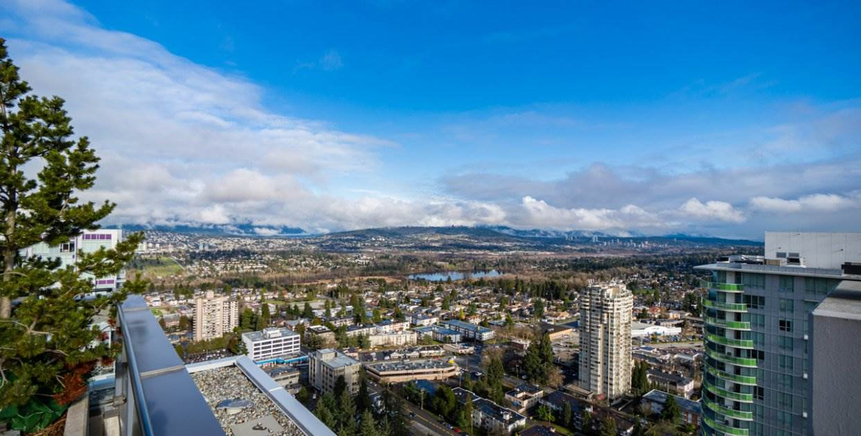 FEATURED LISTING: 2301 - 4900 LENNOX Lane Burnaby