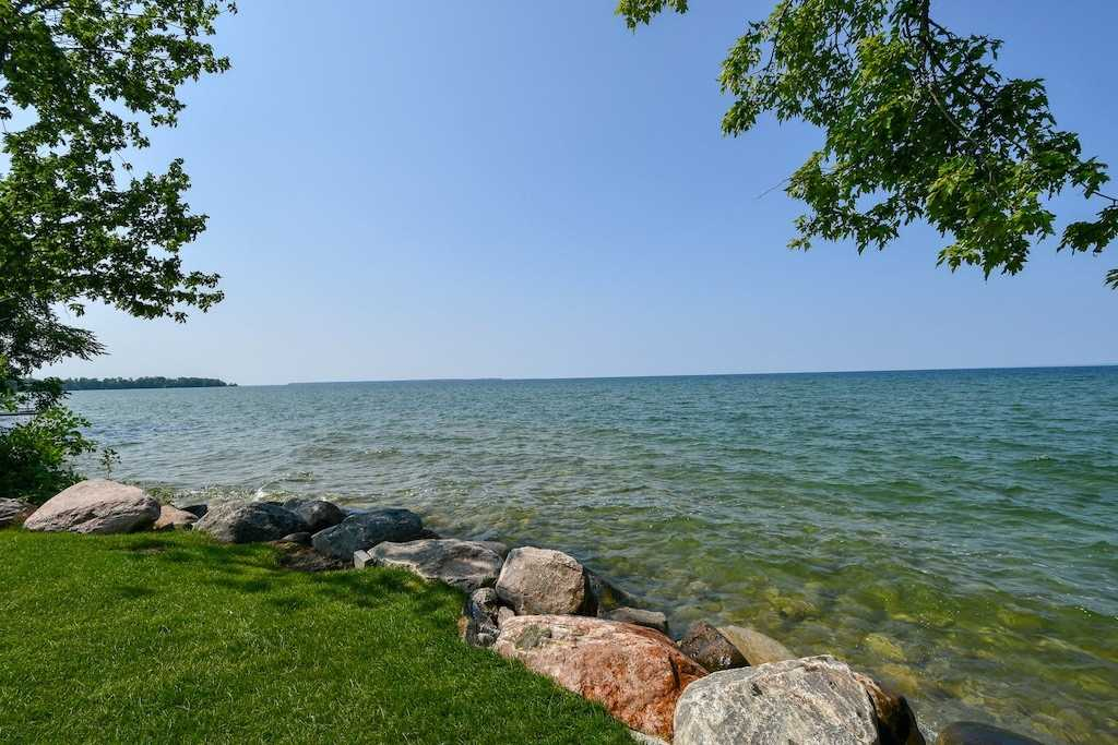 FEATURED LISTING: 2388 Lakeshore Drive Ramara