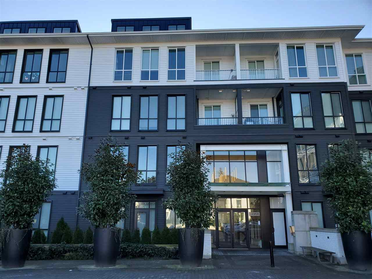 FEATURED LISTING: 415 - 14968 101A Avenue Surrey