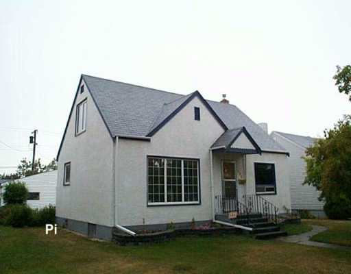FEATURED LISTING: 290 RUPERTSLAND Avenue Winnipeg
