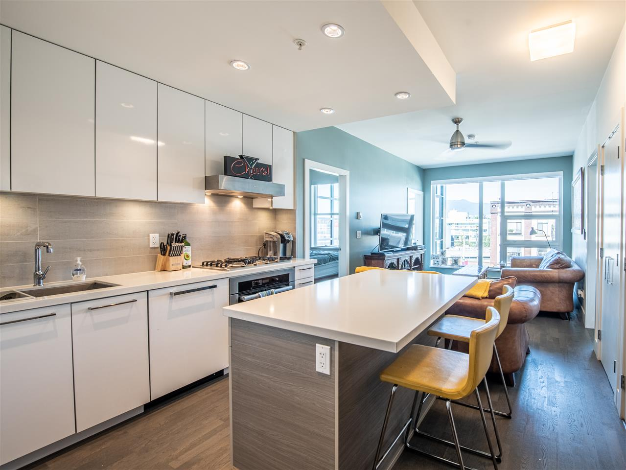 FEATURED LISTING: 301 - 1628 4TH Avenue West Vancouver