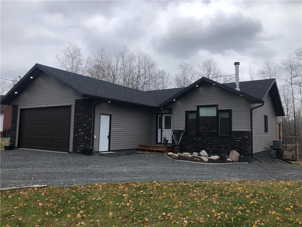 FEATURED LISTING: 7 Spruce Bay Lac Du Bonnet RM