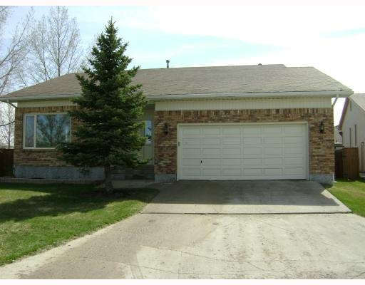 Main Photo: 31 Amethyst Pl in Winnipeg: Residential for sale : MLS® # 2808303