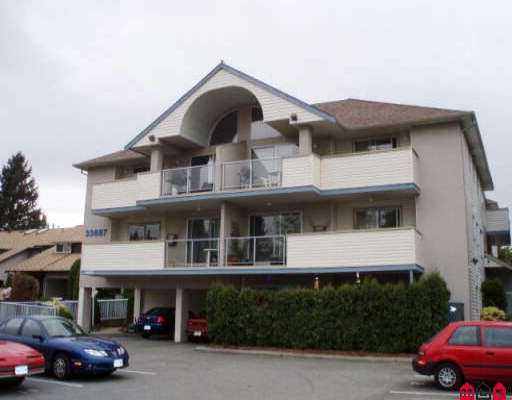 "Main Photo: 103 33887 MARSHALL RD in Abbotsford: Central Abbotsford Condo for sale in ""CITY COURT"" : MLS®# F2606079"
