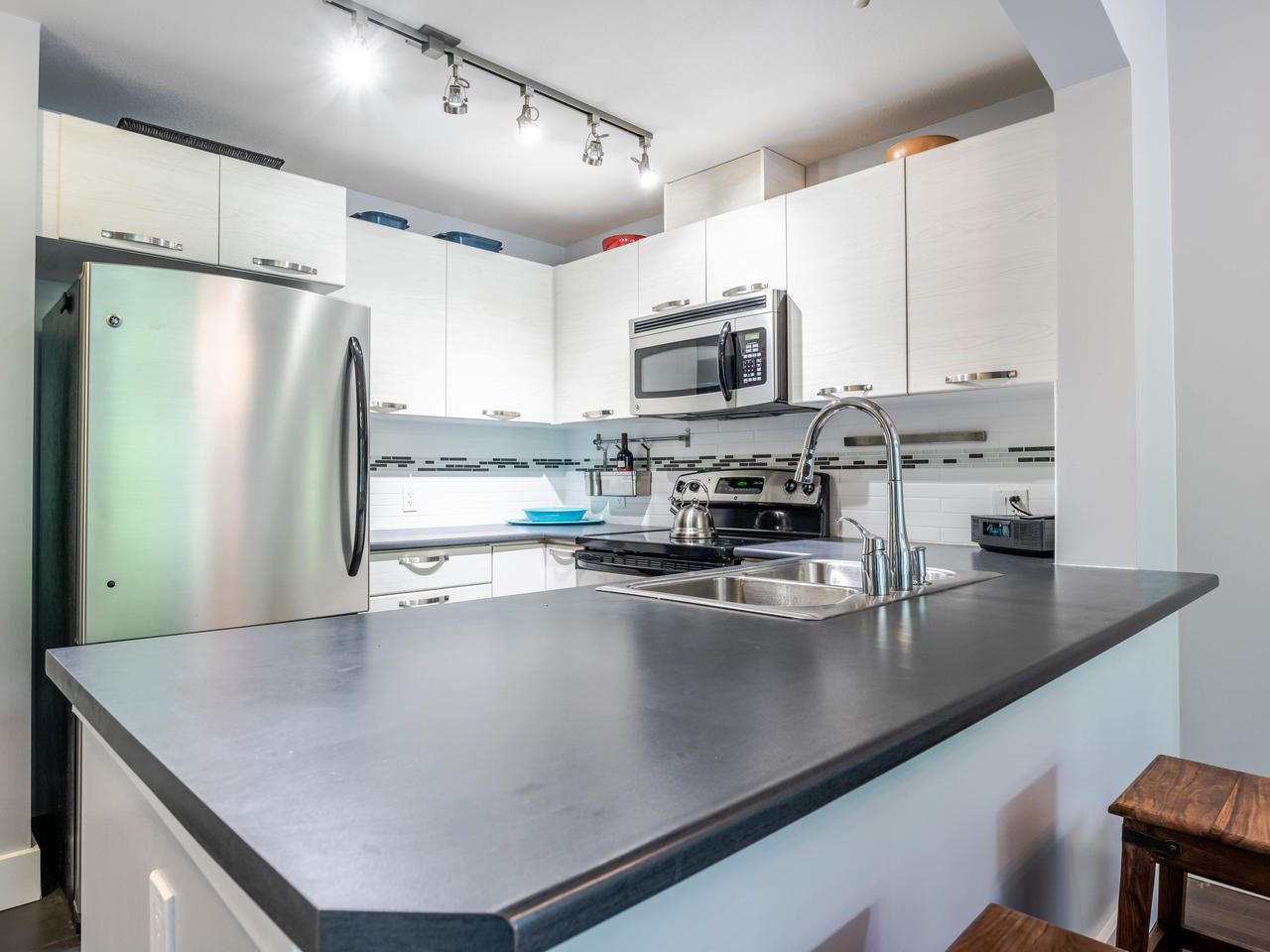 FEATURED LISTING: 404 - 7418 BYRNEPARK Walk Burnaby