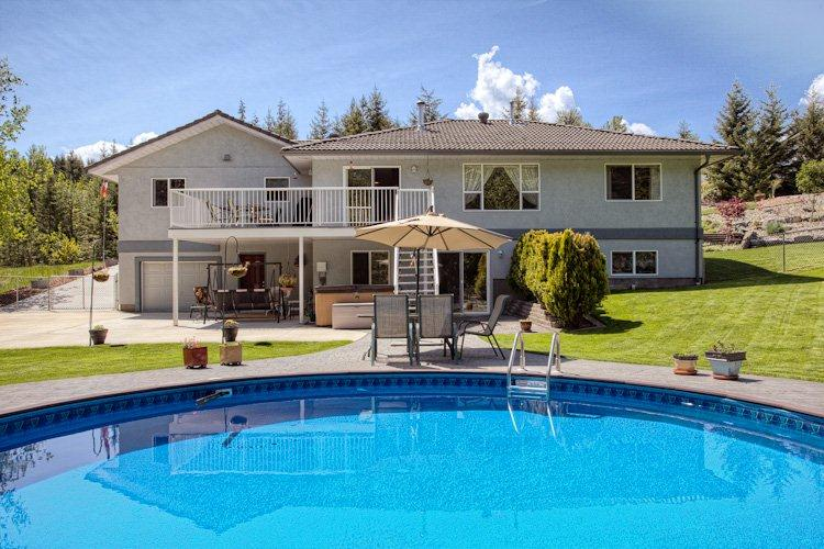 Main Photo: 2728 Rose Dale Drive in Blind Bay: Shuswap Lake Estates Residential Detached for sale : MLS®# 10038293