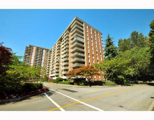 "Main Photo: 720 2012 FULLERTON Avenue in North_Vancouver: Pemberton NV Condo for sale in ""Woodcroft"" (North Vancouver)  : MLS®# V782754"