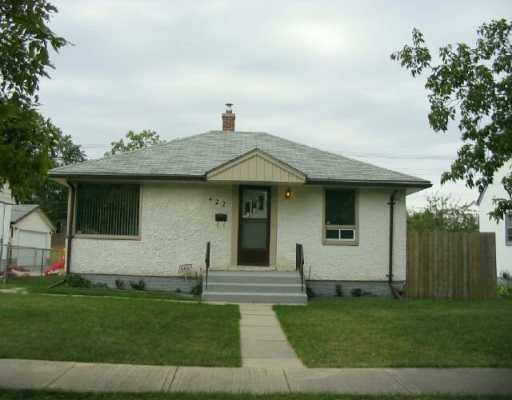 Main Photo:  in WINNIPEG: East Kildonan Single Family Detached for sale (North East Winnipeg)  : MLS® # 2615388