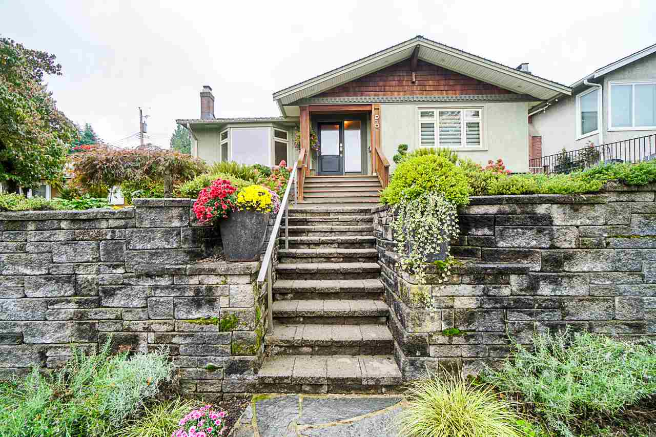 FEATURED LISTING: 910 KENT Street New Westminster