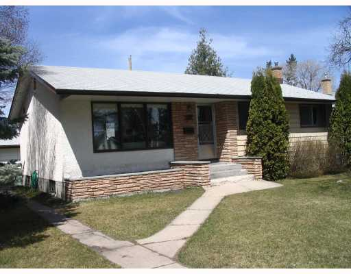 FEATURED LISTING: 32 BENTWOOD Bay WINNIPEG