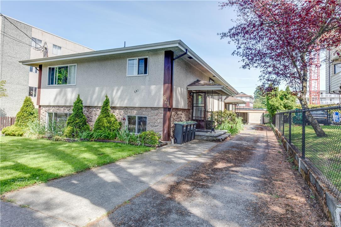 FEATURED LISTING: 621 Constance Ave Esquimalt