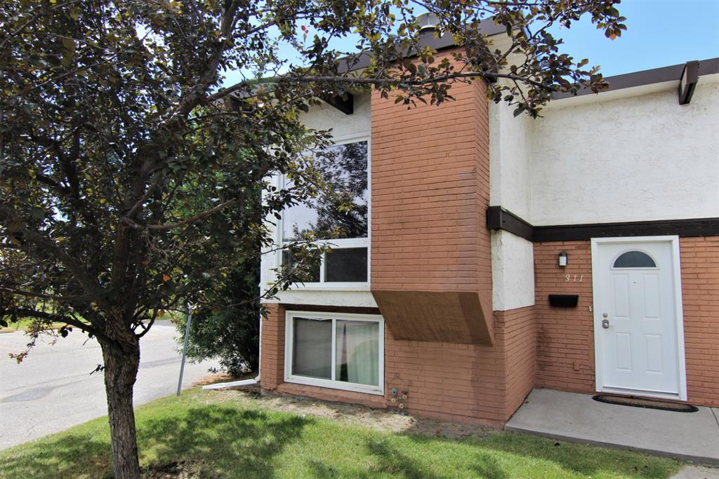 FEATURED LISTING: 311 PINEMONT Gate Northeast Calgary