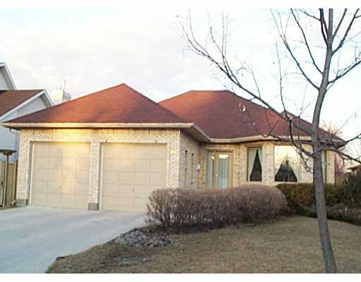 Main Photo: 98 DONNINGTON Road in WINNIPEG: Charleswood Single Family Detached for sale (South Winnipeg)  : MLS®# 2204362