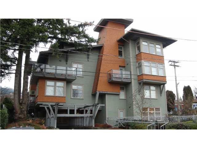 FEATURED LISTING: 203 - 118 22ND Street West North Vancouver