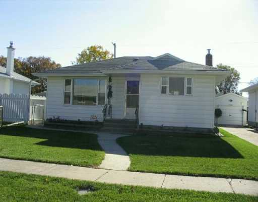 Main Photo:  in WINNIPEG: East Kildonan Single Family Detached for sale (North East Winnipeg)  : MLS®# 2617685