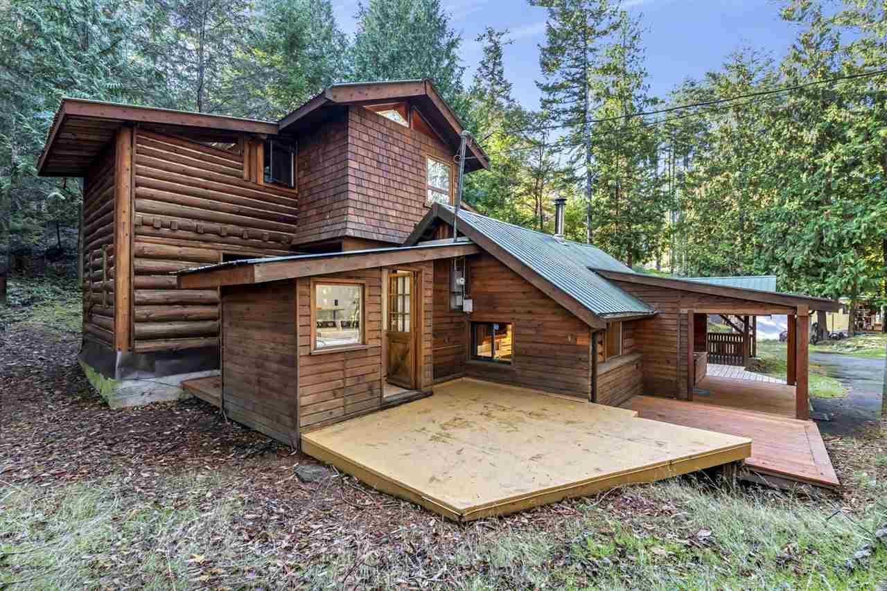 FEATURED LISTING: 604 WAUGH Road Mayne Island