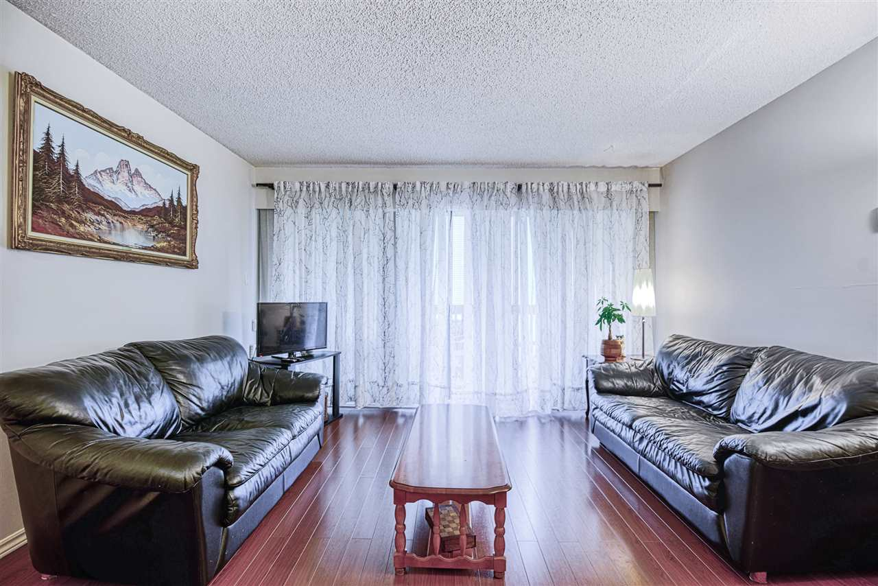 FEATURED LISTING: 211 14925 100 Avenue Surrey
