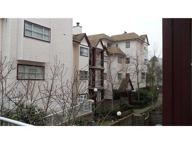 Main Photo: 404 3680 RAE Avenue in Vancouver: Collingwood VE Condo for sale (Vancouver East)  : MLS® # V866998