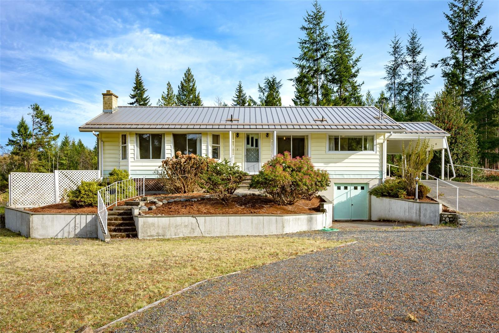 FEATURED LISTING: 421 Boorman Rd